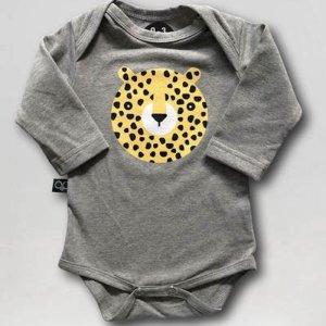 svietiace body lemur gepard sede
