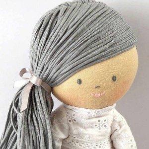 Bonikka-ChiChi-lanova-babika-Megan-sive-vlasy